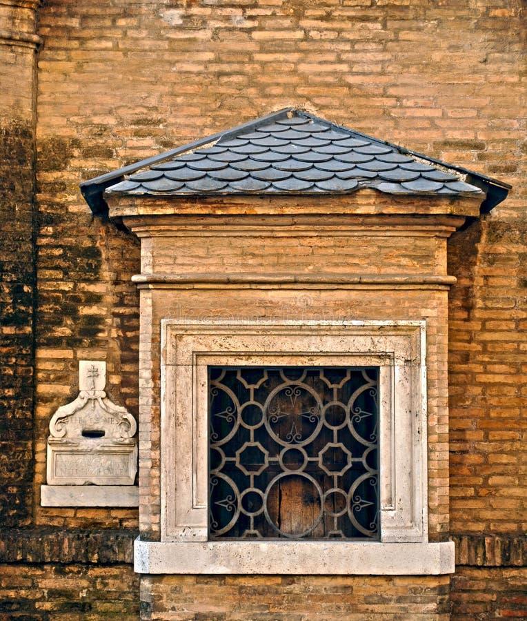 婴孩圆环在修道院里 罗马 意大利 免版税图库摄影