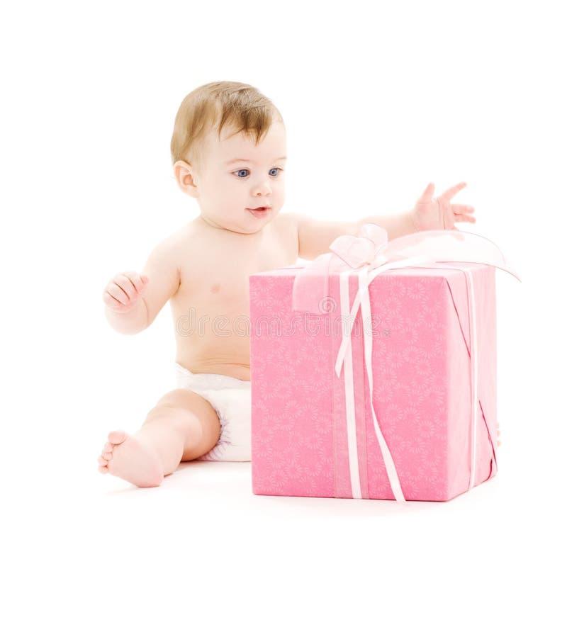 婴孩大配件箱男孩尿布礼品 库存照片
