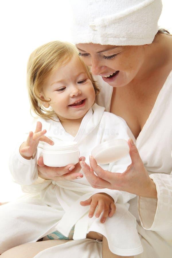 婴孩愉快的母亲照片 免版税图库摄影