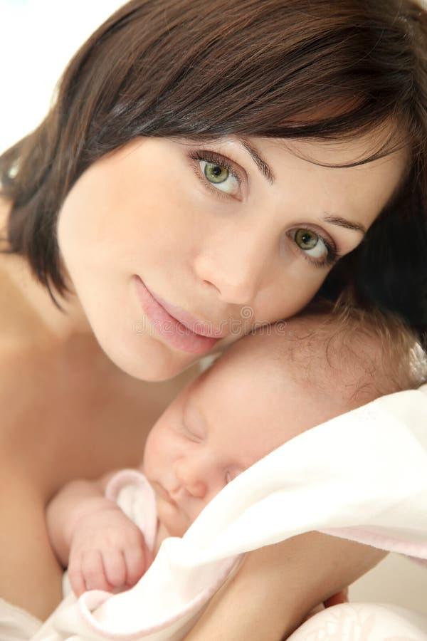 婴孩愉快的母亲whith 库存照片