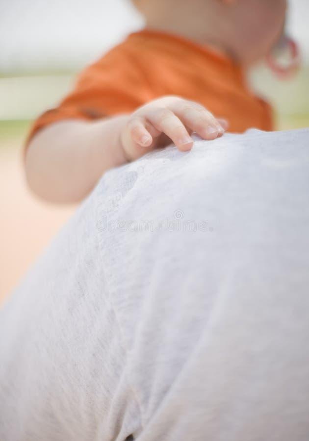 婴孩接触 免版税库存照片