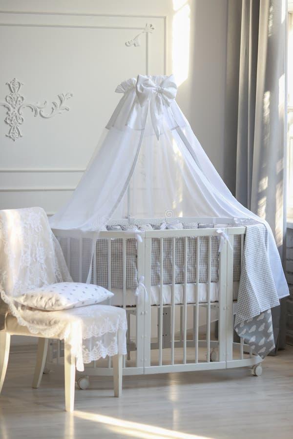 婴孩明亮的颜色的` s室 库存照片