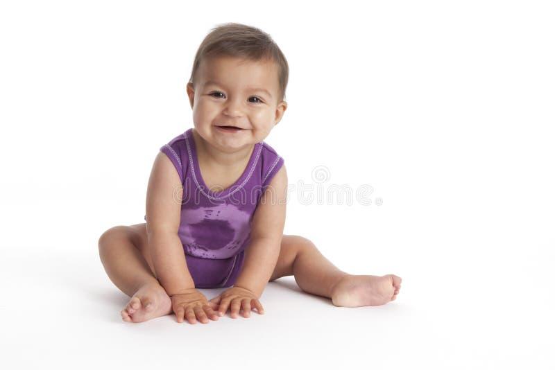 婴孩楼层女孩愉快的开会 免版税库存图片