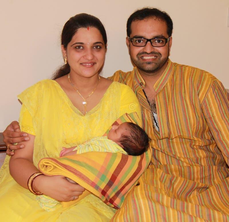 婴孩第一印第安父项他们的时间 库存图片