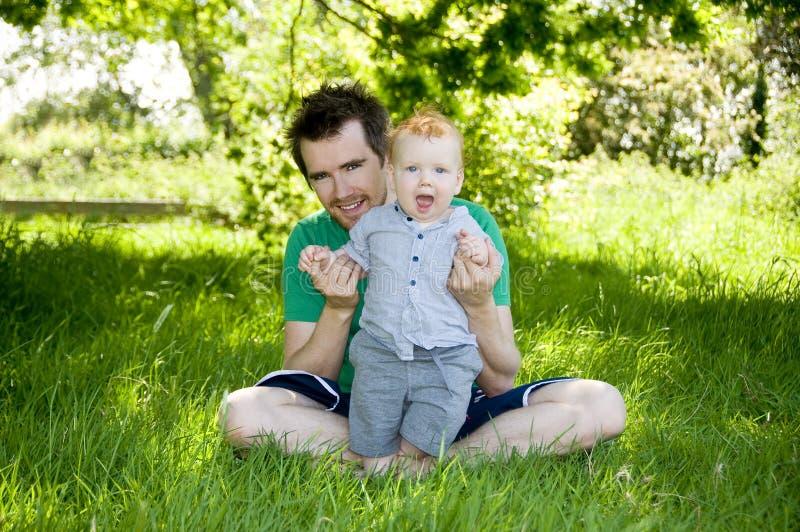 婴孩第一步 免版税库存图片
