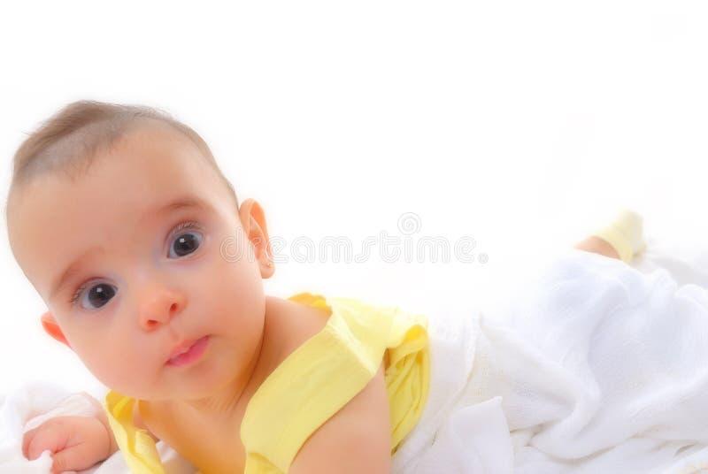 婴孩苏醒 库存照片