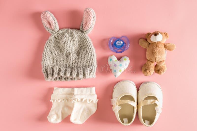 婴孩衣裳和辅助部件 库存照片