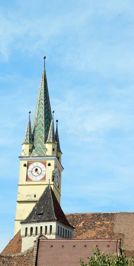 媒介街市与防御塔和著名撒克逊人的塔 库存图片