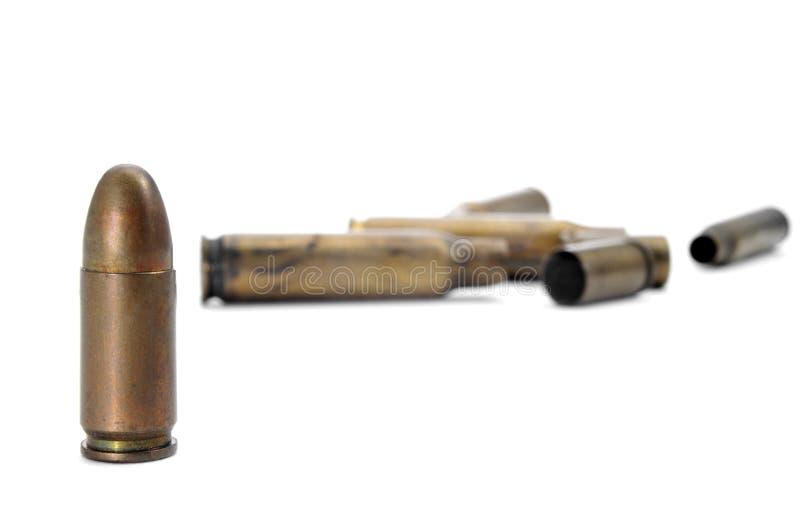 子弹和子弹壳 免版税库存图片