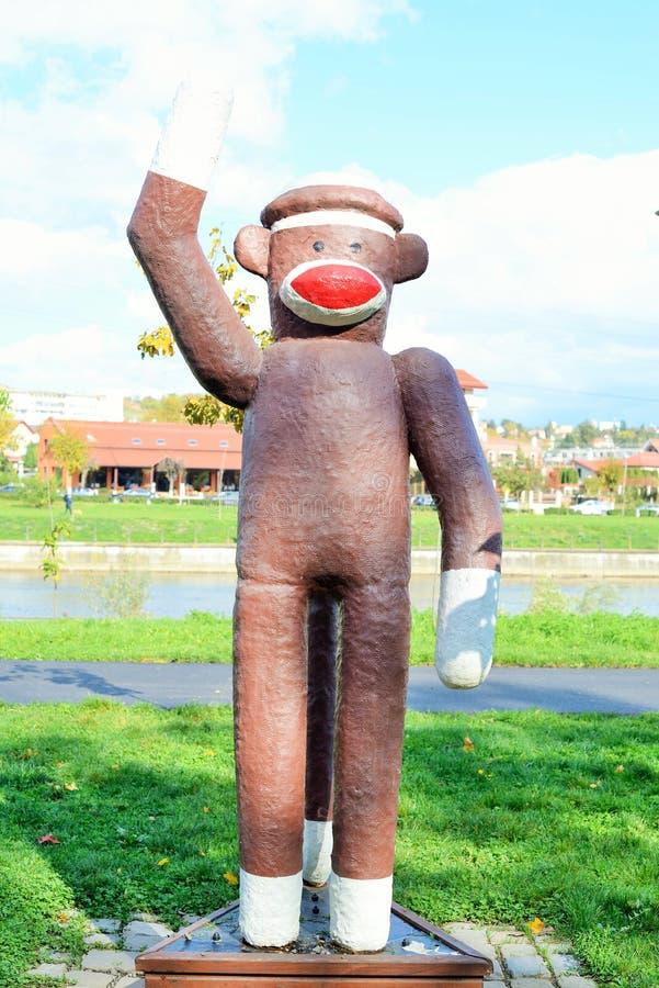 猴子的玻璃纤维雕象 图库摄影