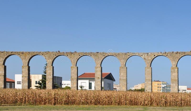 孔迪镇,葡萄牙罗马渡槽  库存照片