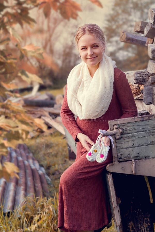 孕妇年轻人 图库摄影