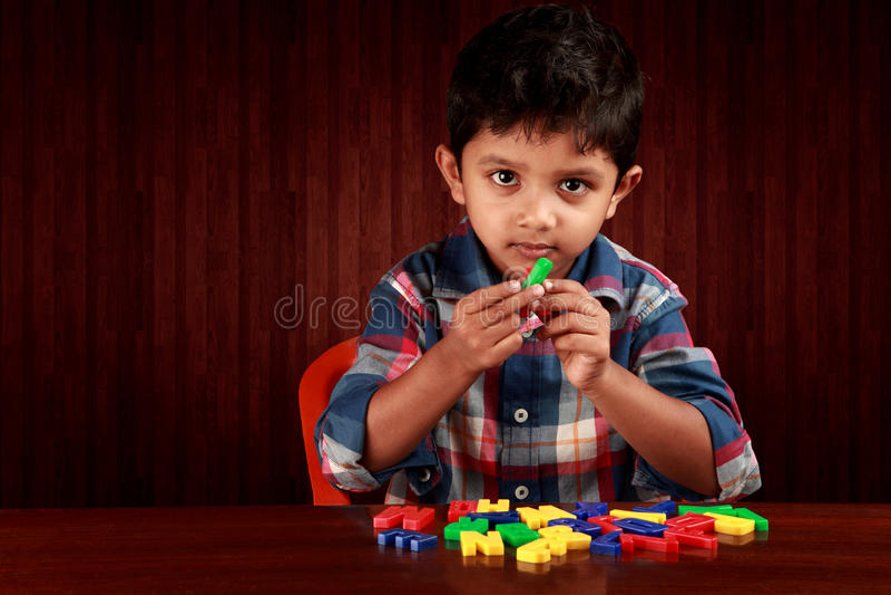 字母表男孩 免版税图库摄影