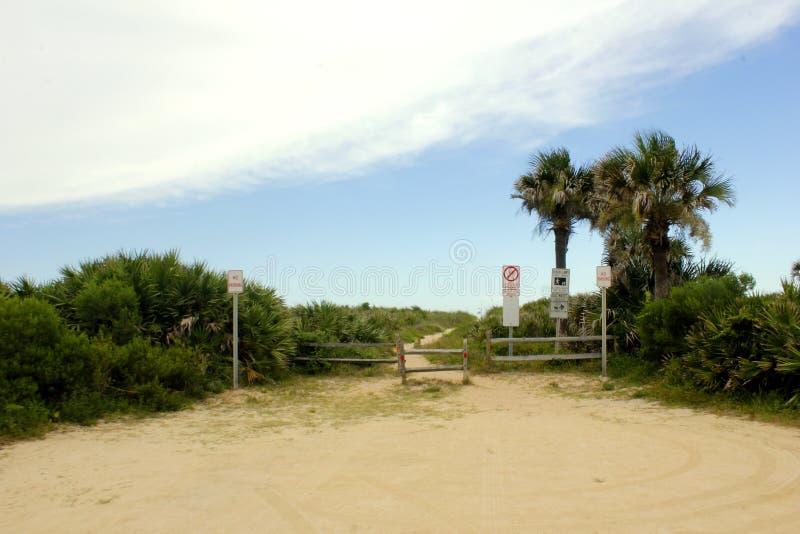 存取海滩 免版税库存照片