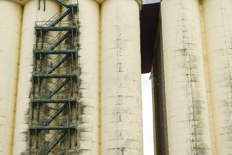 存放和烘干的五谷大厦 免版税库存图片
