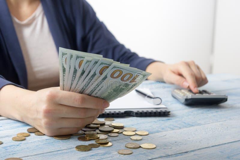 存金钱,家庭预算概念 免版税库存图片