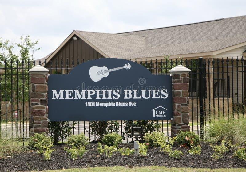 孟菲斯蓝色制作的家庭出租公共 免版税库存照片