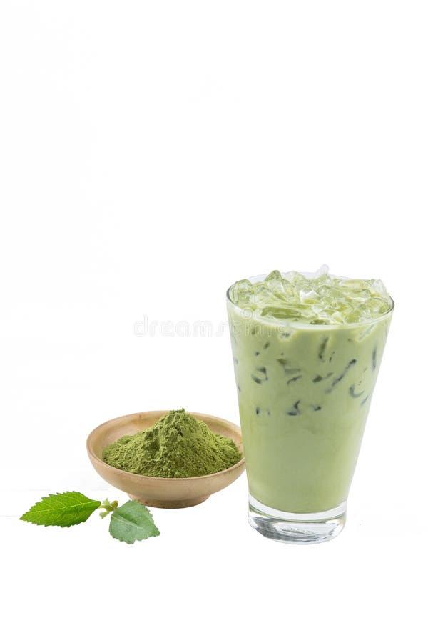 孤立冰了绿茶在白色背景的拿铁matcha与cru 库存照片