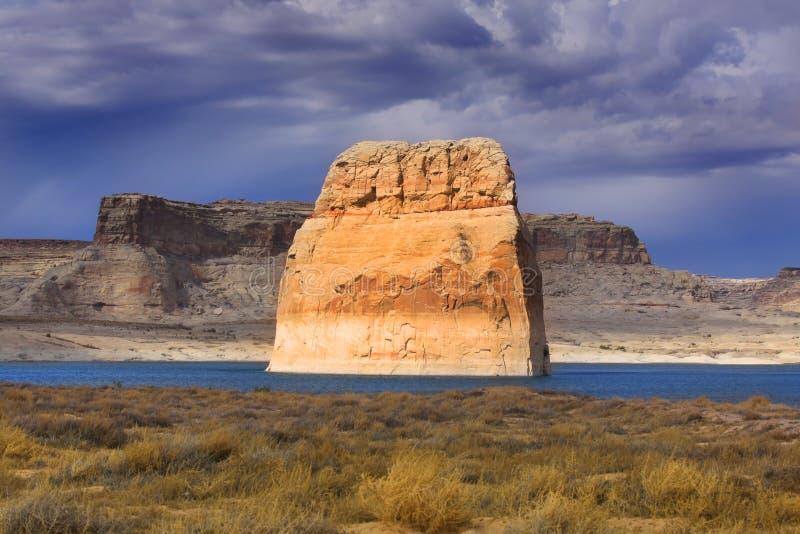 孤立岩石 库存照片