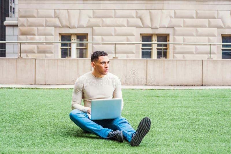 学习在纽约的年轻美国人 库存图片