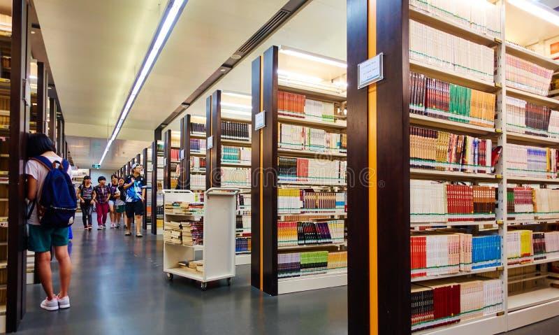 学校图书馆,学生图书馆 免版税图库摄影