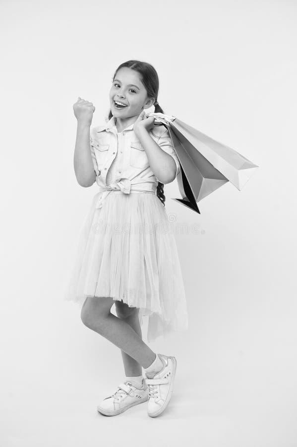 学校用品回到学校季节了不起的时间的购物单教预算的基本孩子 为学校做准备 图库摄影