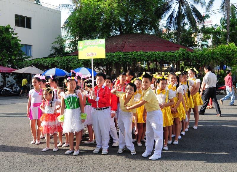 学生在小学在Tan Binh,西贡,越南 免版税库存图片