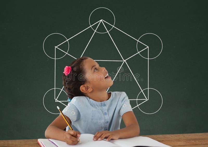 学生女孩在查寻反对有学校和教育图表的绿色黑板的桌上 向量例证