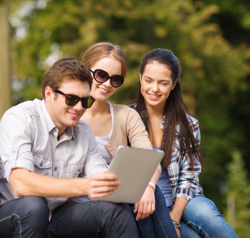 学生或少年有便携式计算机的 免版税图库摄影