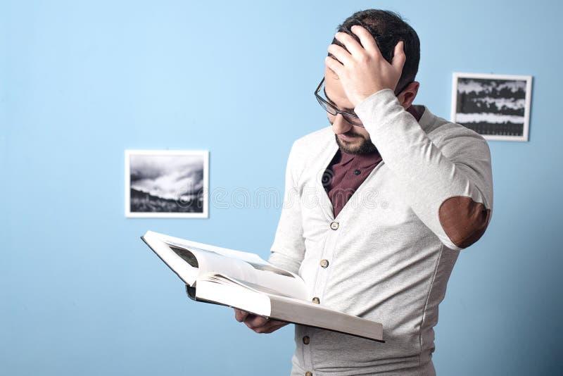 年轻学生的刻板的课程 免版税库存图片