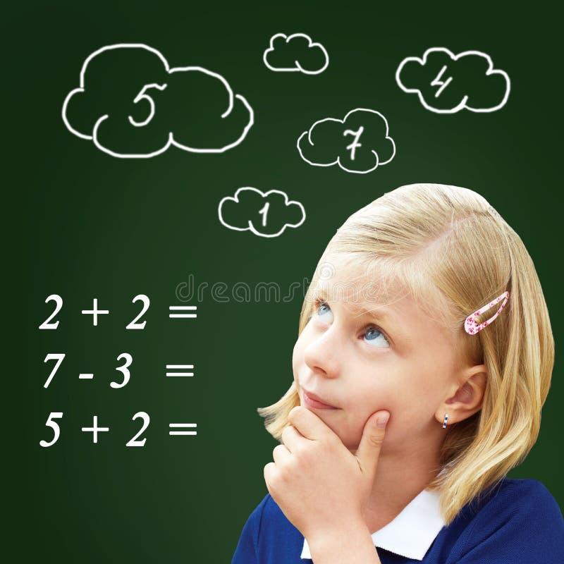 Download 学生认为身分在黑板 库存图片. 图片 包括有 教室, 现有量, 人员, 更高, 孩子, backarrow - 72362379
