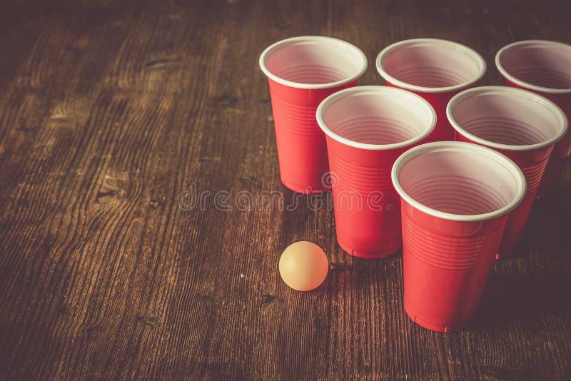 学院党体育-啤酒pong桌设置 图库摄影