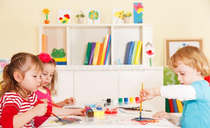 学龄前儿童在教室 免版税图库摄影