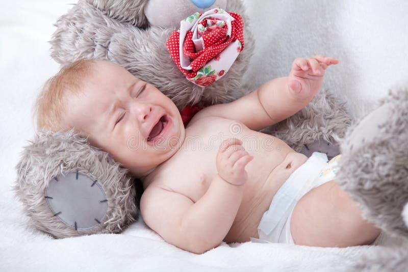 婴孩哭泣新出生 图库摄影
