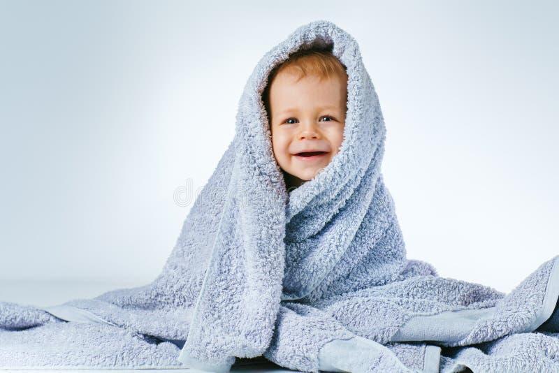 婴孩在洗涤以后 免版税库存照片