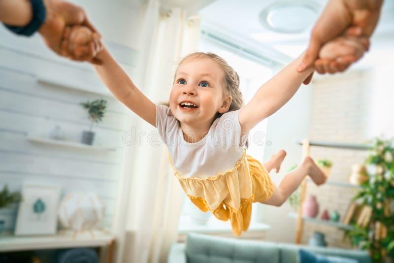 孩子使用与父母 库存照片