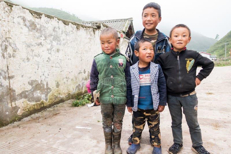 孩子在凉山,四川,中国 免版税库存图片