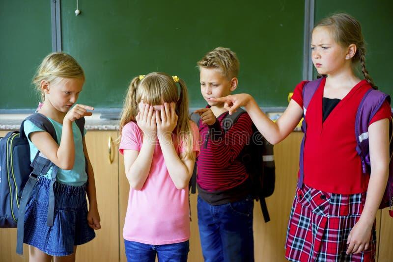 孩子在学校胁迫 免版税库存图片