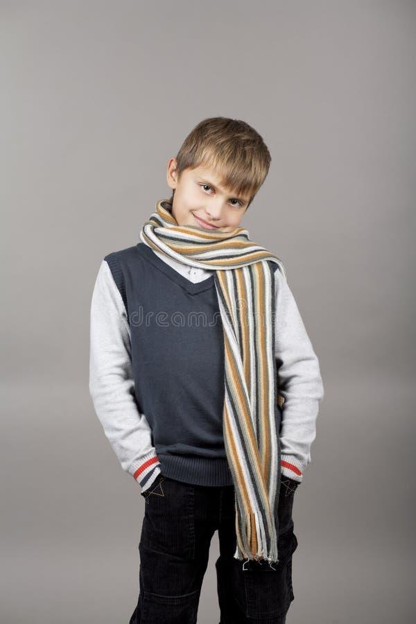 孩子微笑的年轻人 库存图片