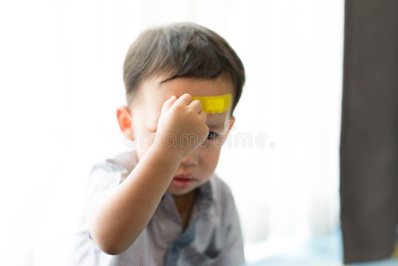 孩子有在头的溃疡 免版税库存图片