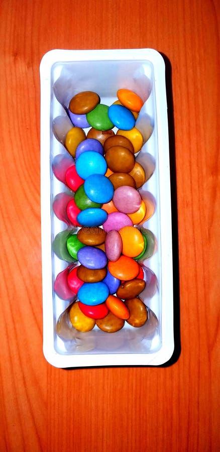 孩子的五颜六色的甜糖果 免版税图库摄影