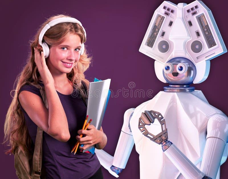 孩子的机器人老师 白色塑料ai机器人设备 免版税库存照片