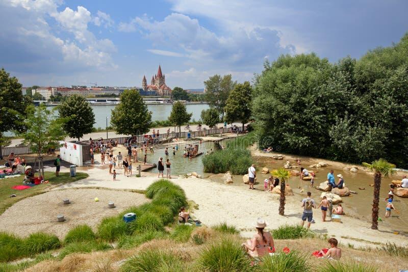 孩子的水操场 多瑙河海岛,维也纳,奥地利 免版税库存图片