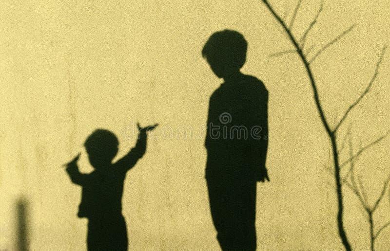 孩子的阴影 免版税库存图片