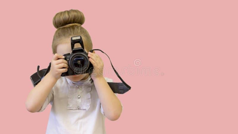 孩子要拍照片 库存照片