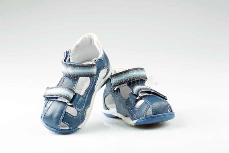 孩子鞋子 免版税库存照片
