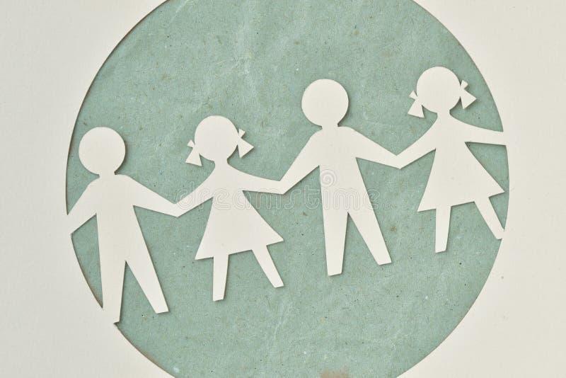 孩子-生态和社会责任感纸剪影  免版税库存图片
