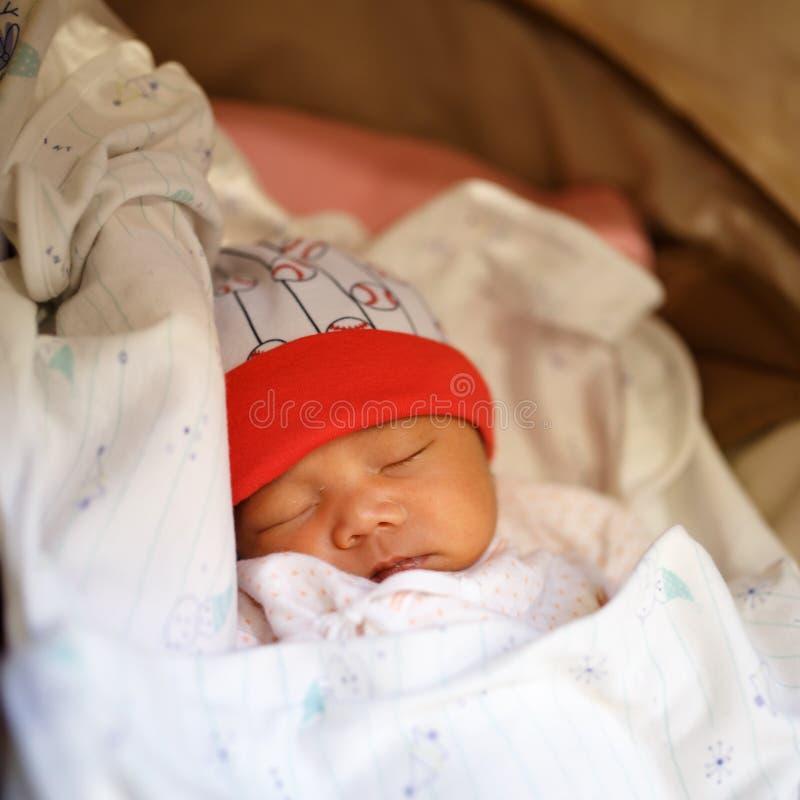 婴孩新出生的休眠 免版税库存照片
