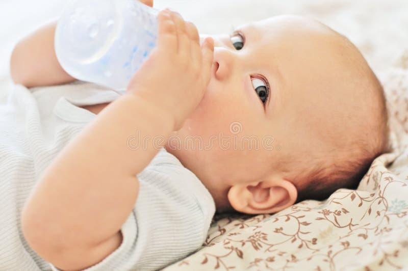 婴孩用水 免版税库存照片