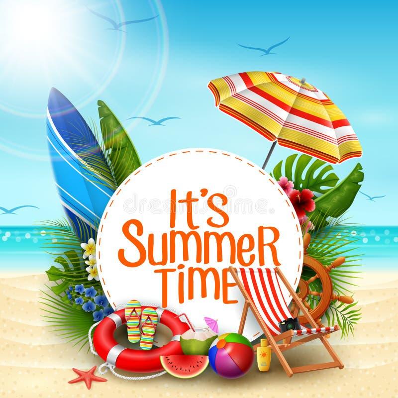 它` s夏时与白色圈子的横幅设计在沙子的文本和海滩元素的使背景靠岸 库存例证